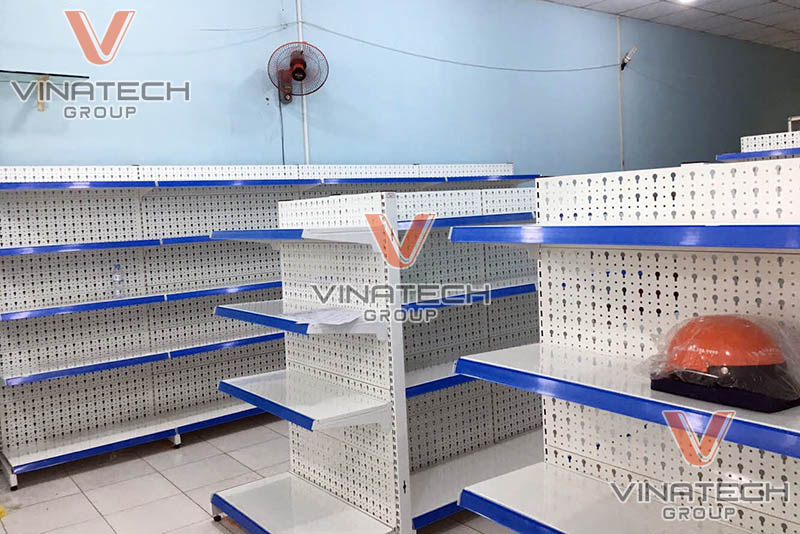Kệ tôn lỗ vinatech lắp đặt cho khách hàng