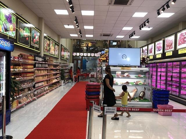 kệ tôn liền bày hàng siêu thị