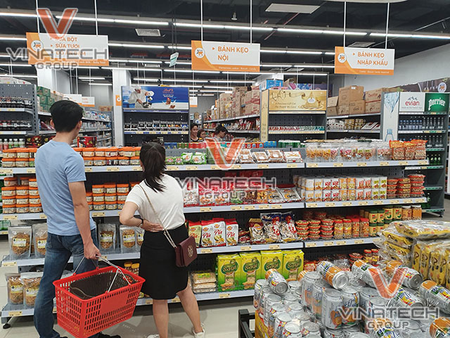 kệ tôn lỗ bày hàng trong siêu thị