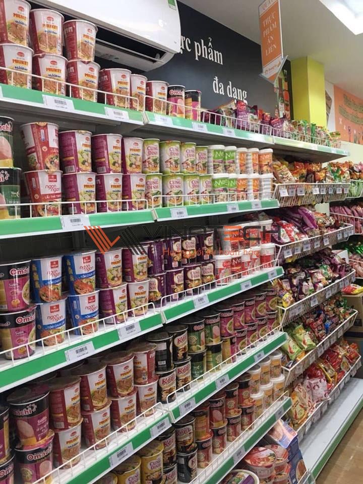 hàng hóa trong siêu thị mini