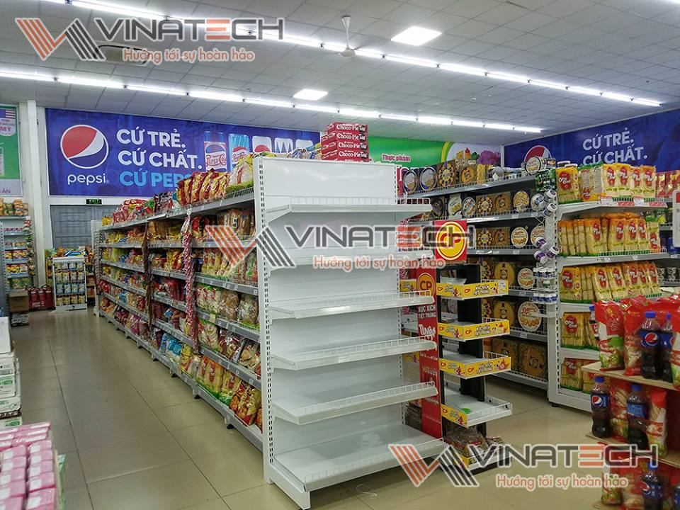 kệ siêu thị tôn liền