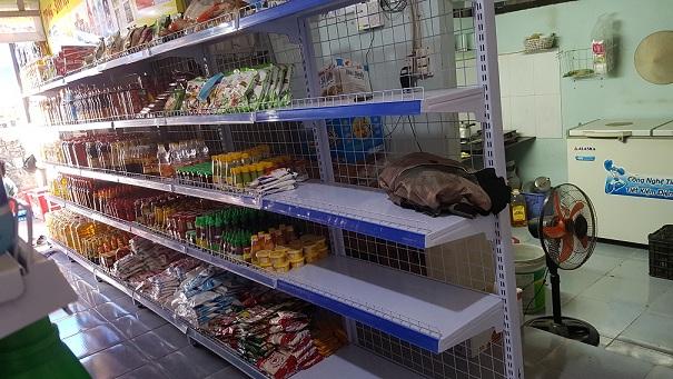 kệ siêu thị mini đẹp