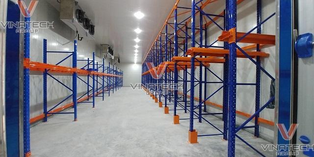 kệ chứa hàng công nghiệp Vinatech