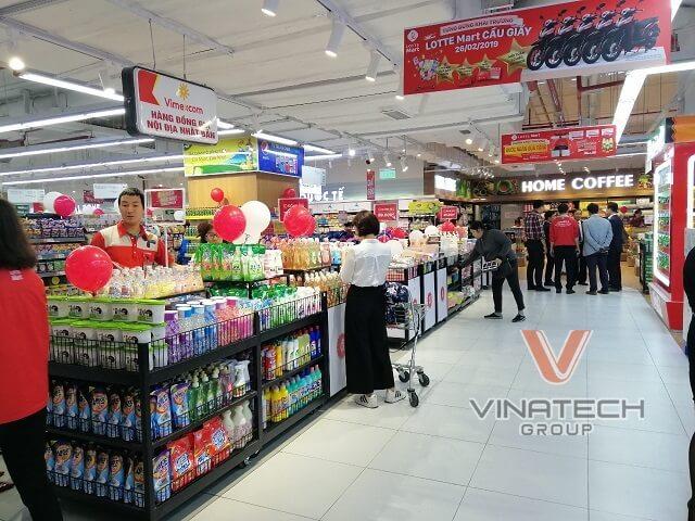 kệ siêu thị vinatech tại lotte mart