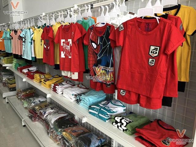 trưng bày shop quần áo trẻ em